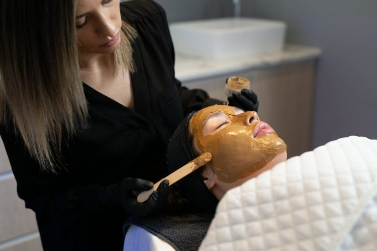 applying Dermamelan Depigmentation peel