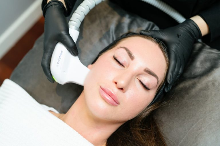 Radio-frequency Fractional Skin Resurfacing (FSR) treatment